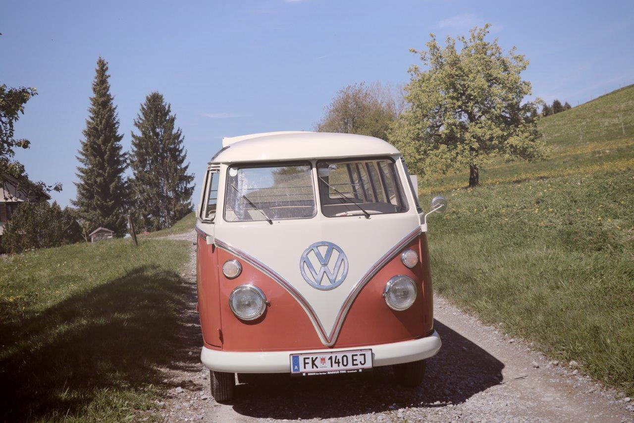 oldtimer vw t1 bus samba zum mieten bus t vw vw. Black Bedroom Furniture Sets. Home Design Ideas